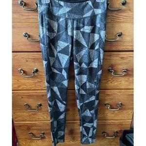 NWOT - Reebok Black and Grey Patterned Leggings
